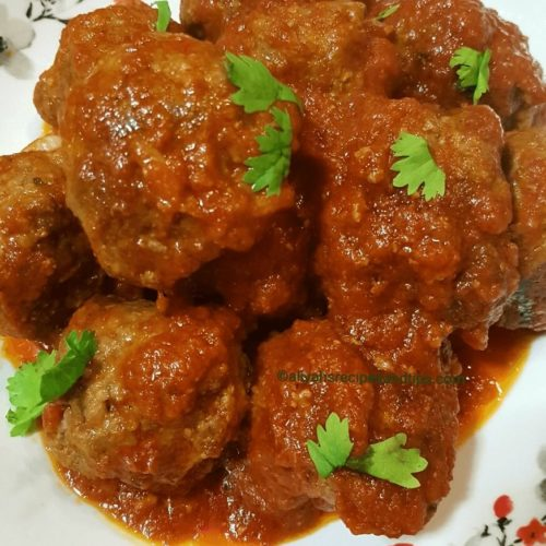 meatballs, meatball in sauce, spaghetti, easy, baked, Italian, Homemade, Mediterranean, Frozen, chicken, bbq, sauce, pork, ,appetizer, simple,