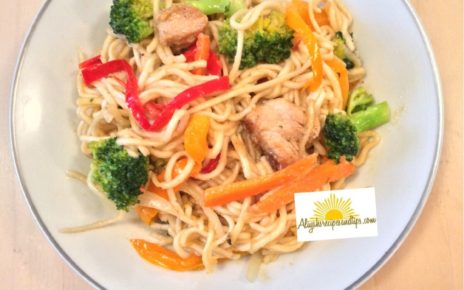 chicken stir fry with noodle served