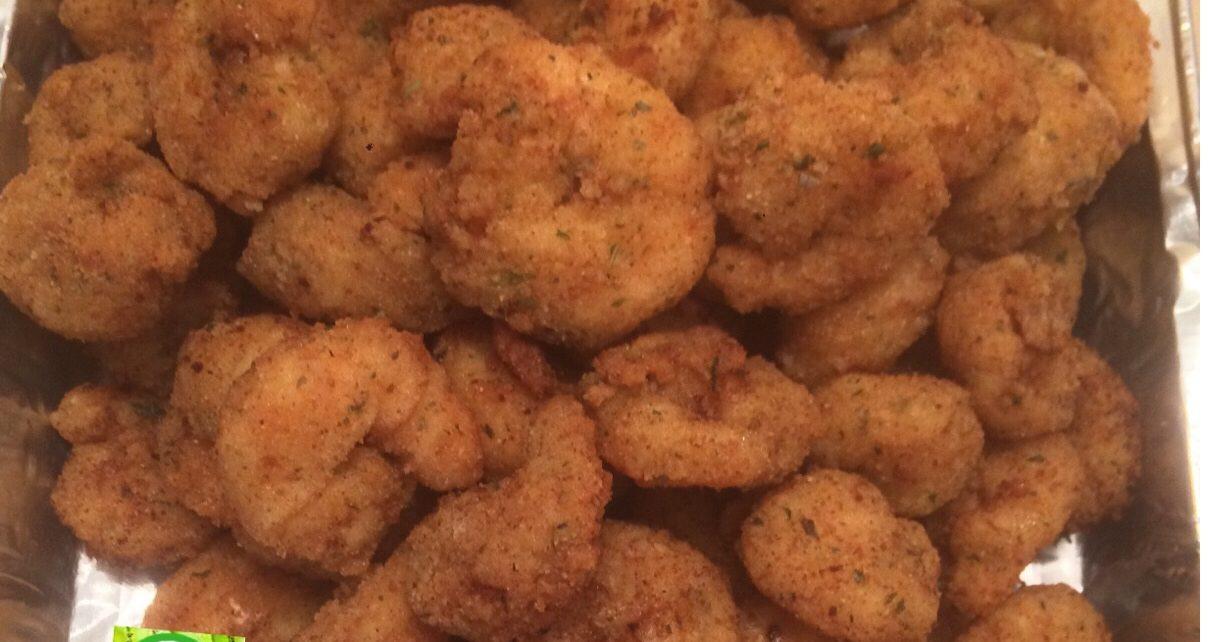 Popcorn shrimps served