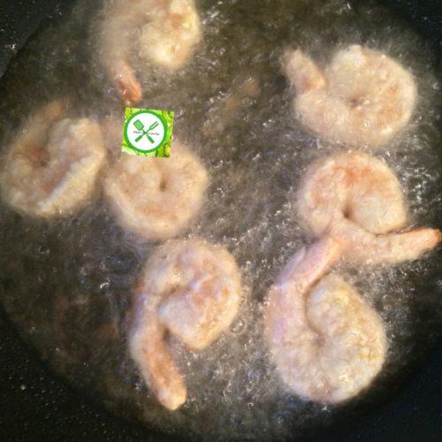 Bang bang shrimps frying