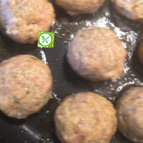 chicken meatball frying