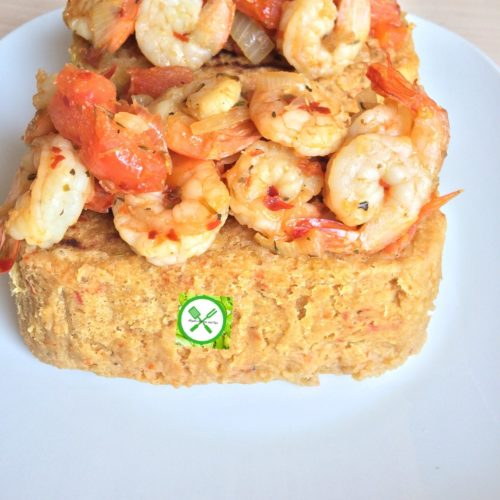 Plantain pudding and shrimps