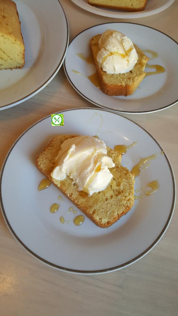 Honey vanilla pound cake