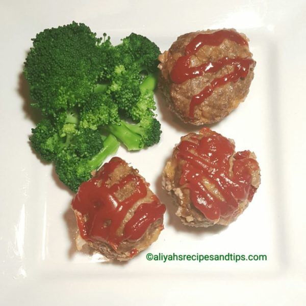 Stuffed mini meatloaf muffins , meatloaf, mini meatloves, how to make meatloaf, how to make mini meatloaves, hot to make individual meatloaves, how to make individual meatloaves