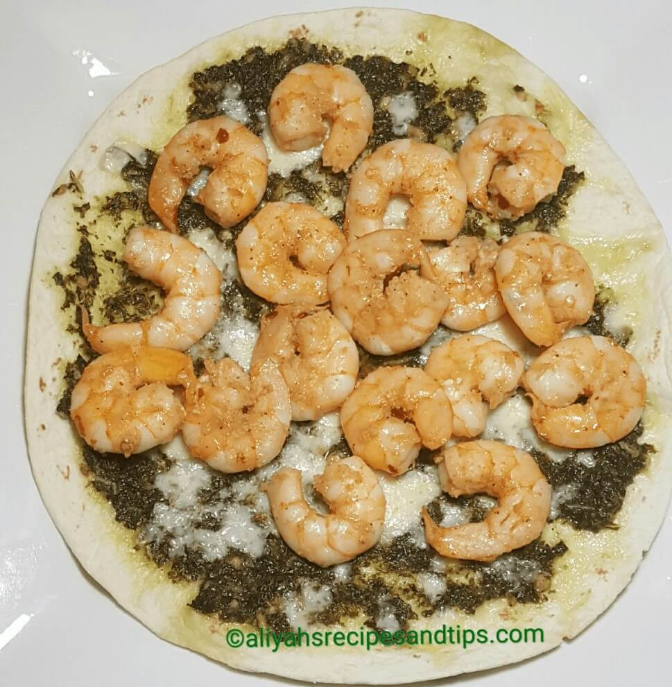 Tortilla Pesto Pizza With Shrimp, Tortilla pizza, how to make tortilla pizza with shrimp, tortilla with shrimp, tortilla flour