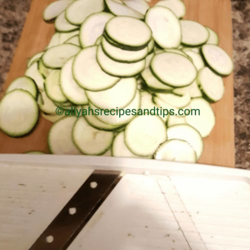 Zucchini frittata, zucchini, frittata, healthy, vegetable, low calorie, summer, vegetarian, easy, zucchini onion frittata