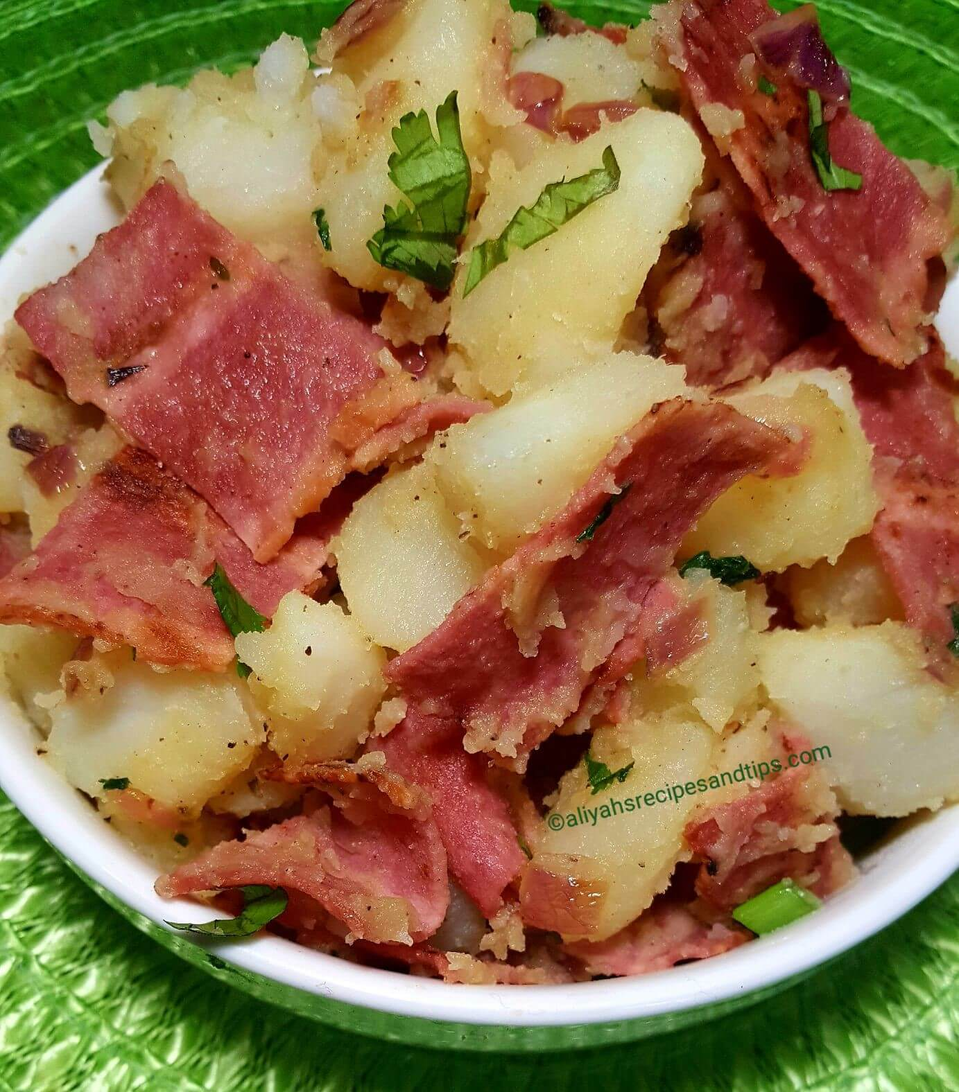 german potato salad, potato, food network, Bratwurst, German style, Bavarian, old fashioned, mayonnaise, easy, recipe, mustard, bacon, authentic, cold, warm, traditional, potato salad, salad,