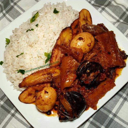 locust beans stew, fried, iru, locust beans, palm oil, dawadawa, ogiri, egg, locust beans stew, Nigerian designer stew, ayamase, obe iru, how to make obe oniru, how to make locust beans stew, obe ata dindin, ofada stew, stew recipe, efo riro, jollof rice, parkia biglobosa, Nigerian, African, beef stew, okra soup, okro soup