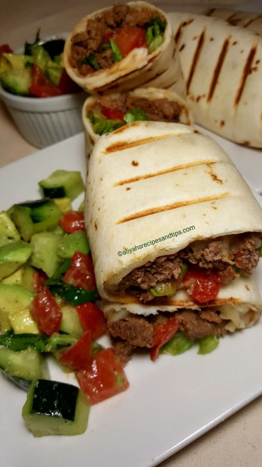 cheeseburger wrap, grill, burger, ground beef, turkey beef, chicken patty, bacon wrap, mince, fried, burrito, beef taco, lettuce, bacon wrapped, vegetable, cheeseburger wrap, grilled cheeseburger wraps, cheeseburger wrap recipe, bacon cheeseburger wraps, cheeseburger